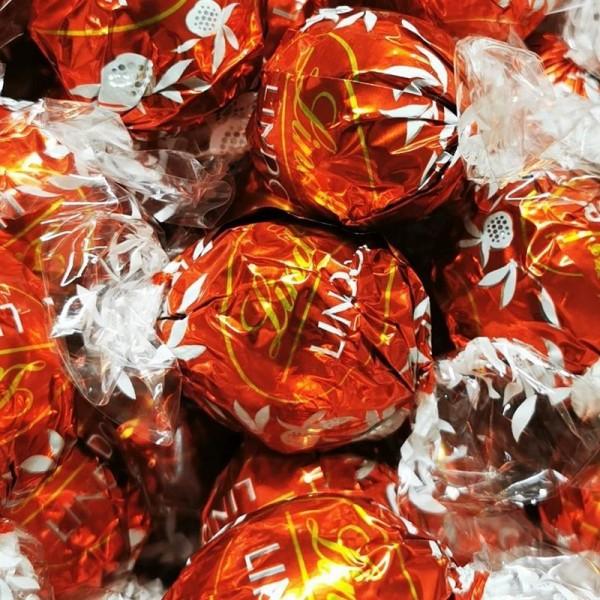 Lindt Lindor Milch Kugeln 500 Gramm 40 Kugeln Vollmilch-Schokolade